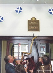 Photo Jimmy Logan Unveiling Lauder Plaque Portobello 1995