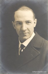 Photo of Harry Lauder No Date