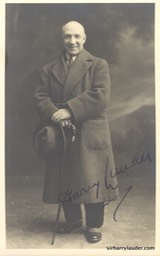 Signed Photo of Harry Lauder No Date