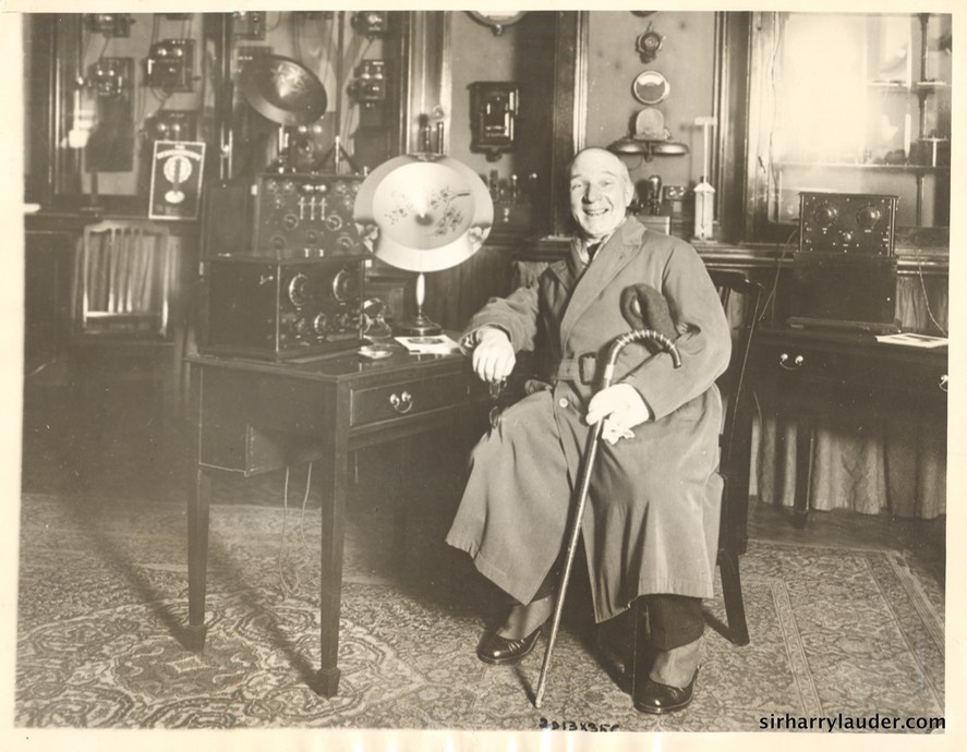 Sir Harry Lauder Buys Wireless Set For Wife Feb 25 1926