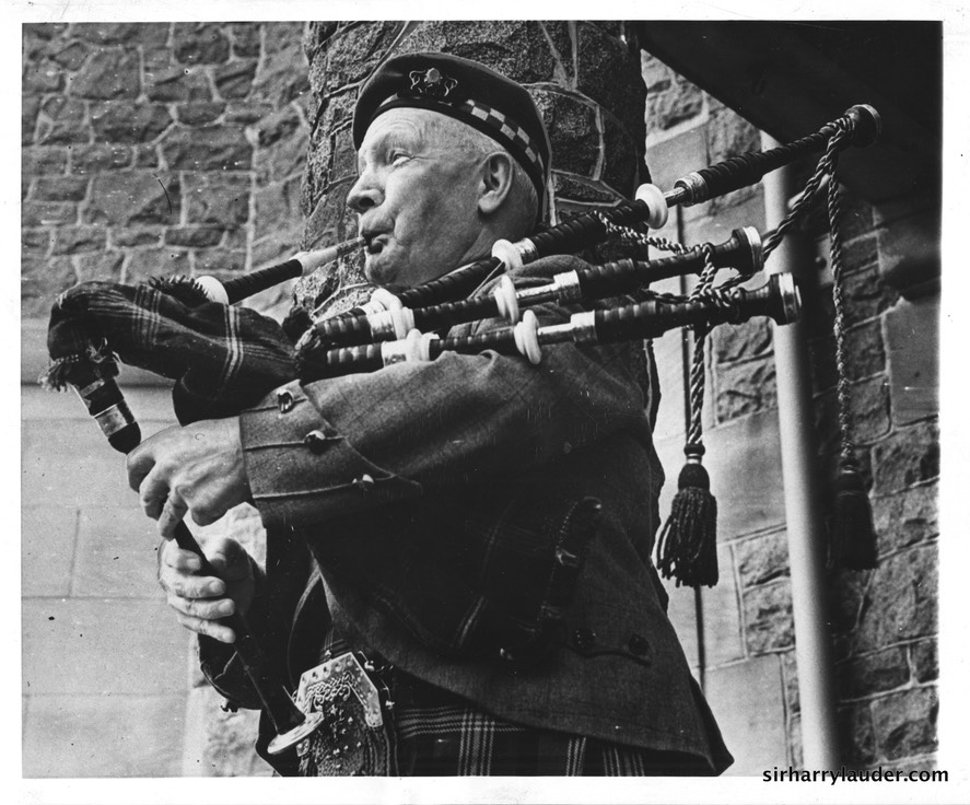 Sir Harry Plays Bagpipes 78 Birthday