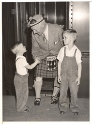 Sir Harry With Boys at Grand Central New York Photo May 31 1937